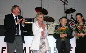 Übergabe des WIR-Vielfaltspreises 2016 an Rabbi Wolff und Britta Wauer durch die damalige Landtagspräsidentin Sylvia Bretschneider